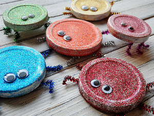 Little recyclers will love this glitter bug craft